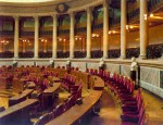 Parlamento decide hoje